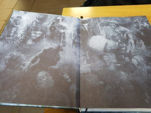 Prestige Edition printed endpapers, the PoD ones are white